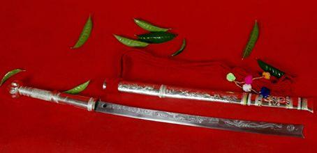 全球最快战刀:中国有三把其中就包括户撒刀