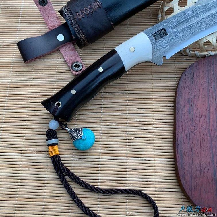 花纹钢锻打黑檀木匕首小刀