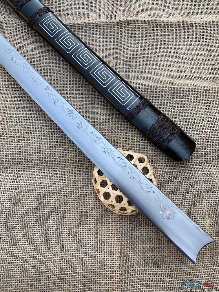 传统民族阿昌刀