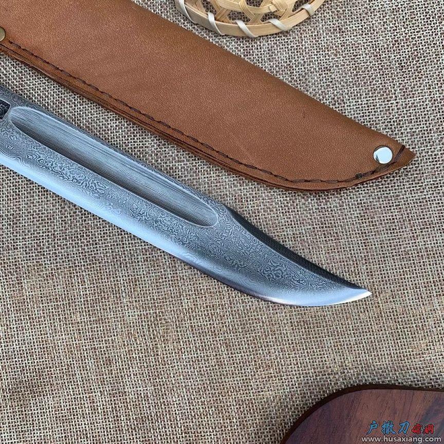 牛皮百炼钢捕猎刀