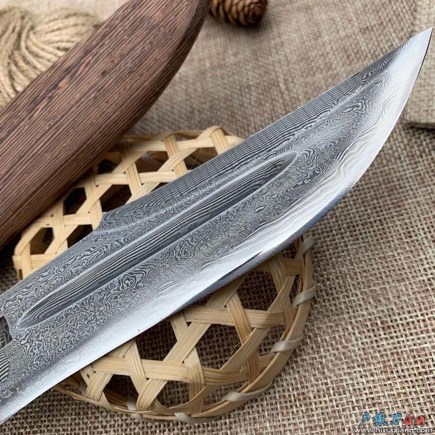 『鉴赏』鸡翅木户外小刀猎刀